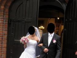 Piękna suknia ślubna hiszpańskiej firmy Pronovias - model NEPAL
