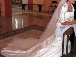 Piękna suknia ślubna Justina Alexandra z kolekcji 2007 r.