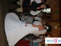Piękna suknia ślubna szyta na wzór Demetrios