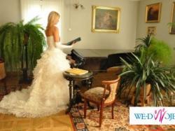 piękna suknia ślubna w hiszpańskim stylu