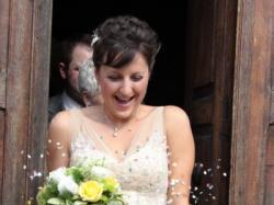 Piękna suknia ślubna w kolorze szampana
