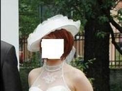 piekna suknia ślubna w starym stylu