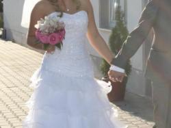 Piękna suknia ślubna + welon + bolerko + buty