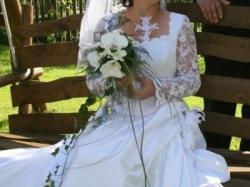 Piękna suknia ślubna wraz z dodatkami !!!