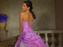 Piękna suknia ślubna z Bolerkiem ,rękawiczami halką