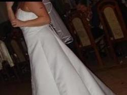 Piekna suknia slubna z kolekcji Madame Zaręba