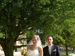 Piękna suknia ślubna z salonu Madonna roz.40 na wysoką osobę