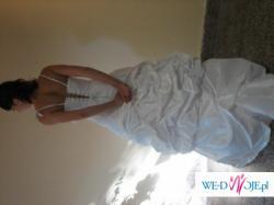 piękna suknia ślubna zakupiona w salonie firmowym Wiktoria