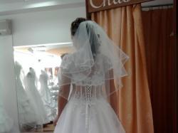 Piękna suknia Withney z kolekcji 2010