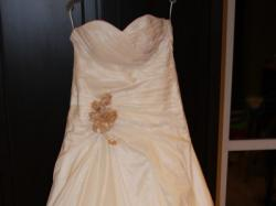 piękna, tania i wyszczuplająca suknia ślubn