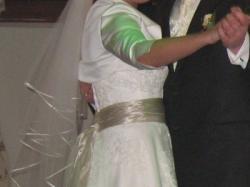 piękna, wygodna i lekka suknia ślubna ercilla