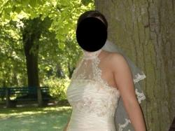 Piękna złota Suknia