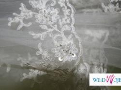 Piękny koronkowy welon