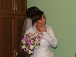 pilnie śprzedam suknie ślubną Gratis rękawiczki welon bolerko