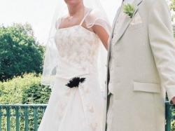 Poznań:sprzedam sukienkę ślubną, kolor ecru,rozmiar 42, wzrost 175 cm