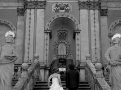 Prosta i niepowtarzalna suknia ślubna