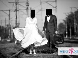 prosta suknia ślubna