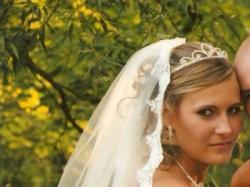 przedam suknie ślubną firmy Pronovias Davis