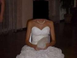 Przepiękna, długa suknia ślubna w kolorze Ivory