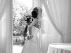 Przepiękna i wyjątkowa suknia ślubna - hiszpański welon GRATIS !!
