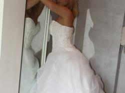 przepiękna nowa suknia ślubna dla księżniczki