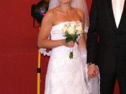 Przepiękna suknia slubna Agnes 2011 model 10501