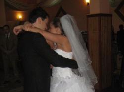 Przepiękna suknia ślubna śieżnobiała
