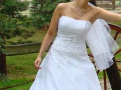 Przepiękna suknia ślubna, w której każda panna młoda poczuje się jak księżniczka