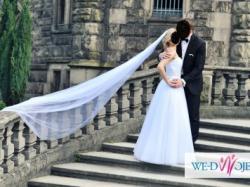 Przepiękna suknia ślubna z kolekcji Lilian West 6303