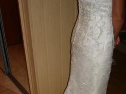 przepiękna suknia ślubna z welonem