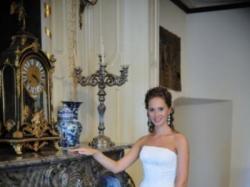 Przepiękna suknia White One 424