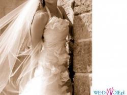 Przepiękna suknia z jedwabnej tafty