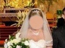 Przepiękną suknie ślubną dwuczęściową koloru ecru i cappuchino.