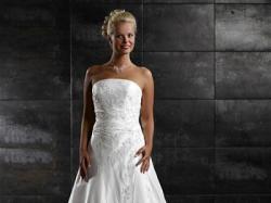 Przepiękna włoska suknia, Tres Chic, model sn2790