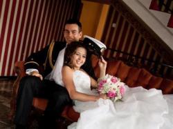 Prześliczna angielska suknia ślubna kolekcja 2011