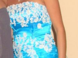 Prześliczna błękitna sukienka na wesele, studniówke itp.
