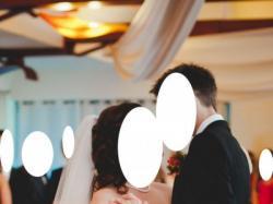 Prześliczna koronkowa suknia ślubna, model syrena