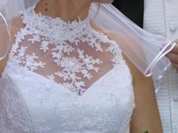 prześliczna śnieżno-biała suknia ślubna