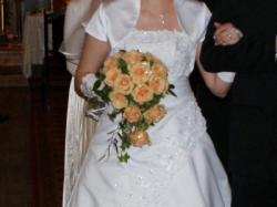 Prześliczna sukienka ślubna.