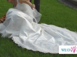 Prześliczna suknia ślubna dla księżniczki