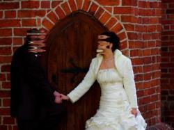 Prześliczna suknia ślubna ecru, roz. 38