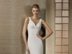 Prześliczna suknia ślubna z kolekcji White One - Terso 2012