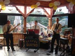 """""""QUATRO"""" to 100% żywej muzyki"""
