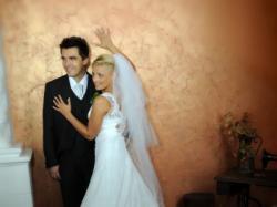 Romantyczna i klasyczna suknia ślubna.