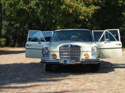 Samochód ślubny w Wieluniu: limuzyna Mercedes W108 Ecru od Kalemba.pl
