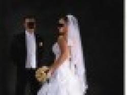 ślczna suknia ślubna