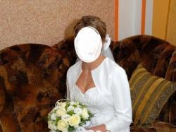 Śliczna białą sukienka