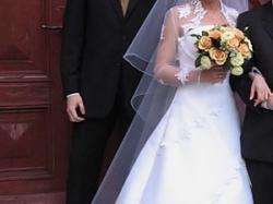 Śliczna biała suknia Solange Bianca