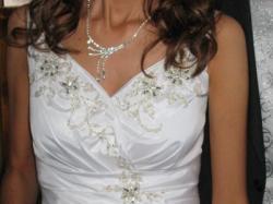 Śliczna biżuteria ślubna (naszyjnik, kolczyki)