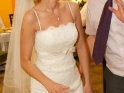 Śliczna i szykowna Suknia Ślubna Madonna White One176